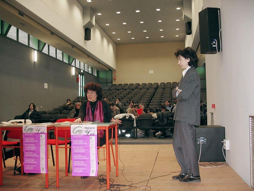 Memorie di Lei: da sinistra – Anna Maria Zanetti, Sonia Giacomello (docente e direttrice del corso di storia delle donne)